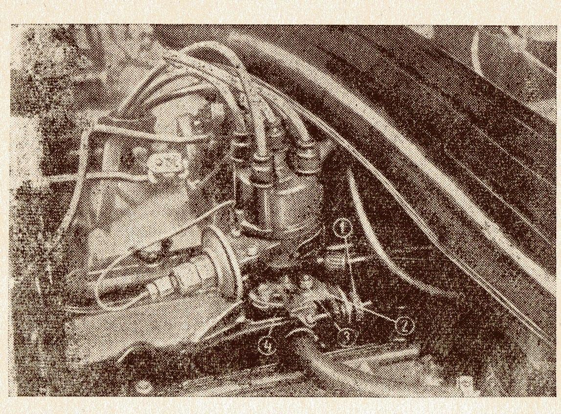 Установка прерывателя-распределителя на двигателе